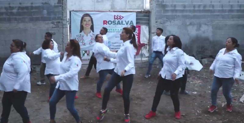 Candidata a diputada pide el voto bailando Scooby Doo PA PA