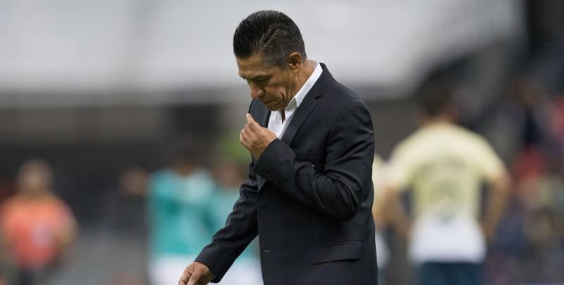 El Necaxa despide al entrenador Ignacio Ambriz