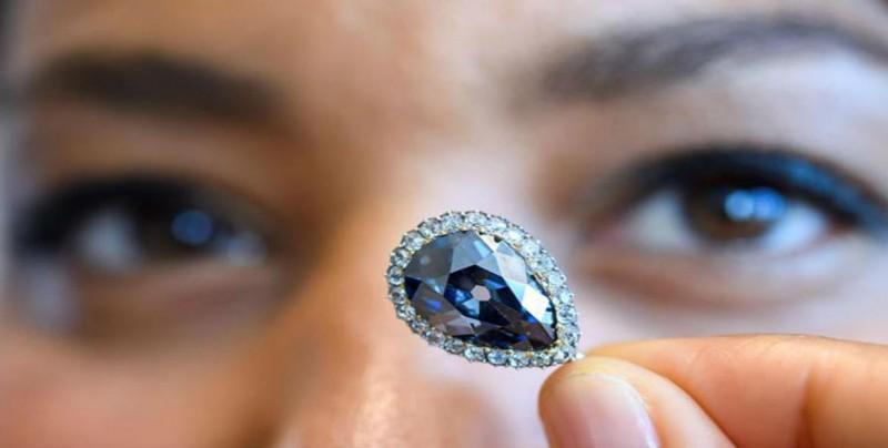 Diamante azul de reina será subastado
