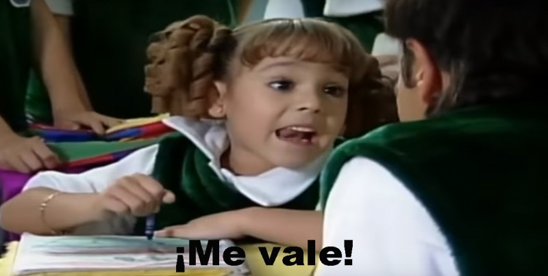 #Video Danna Paola y Eugenio Derbez hacen de nuevo el meme 'Me vale'
