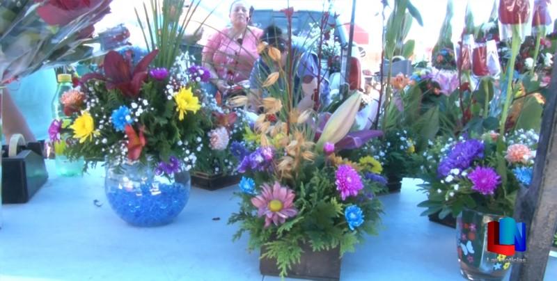 Mantienen precios de flores