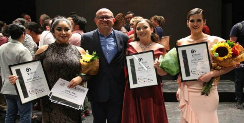 Lucía Yamel Domínguez Ortiz gana Concurso de Canto