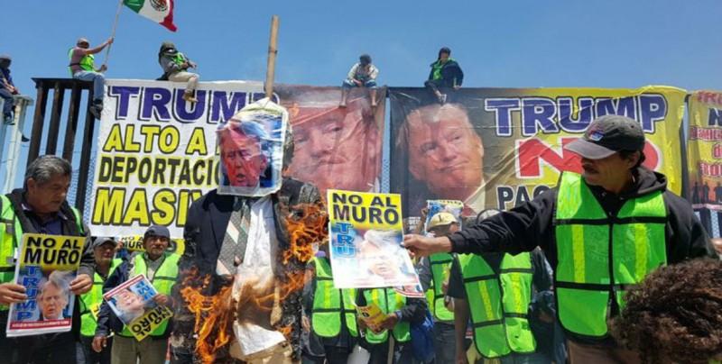 "Realizan ""megamentada"" contra Trump en Playas de Tijuana"