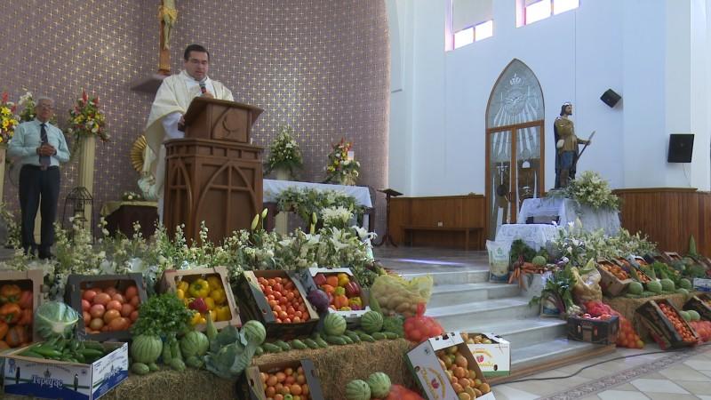 Celebran con misa agricultores el día de San Isidro