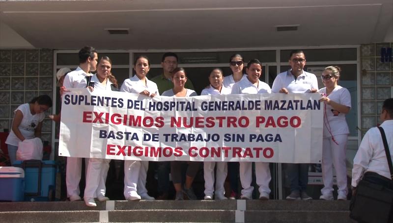 Enfermeras exigen el pago de su trabajo