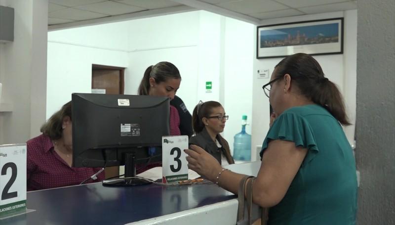 Tramitan 80 pasaportes al día