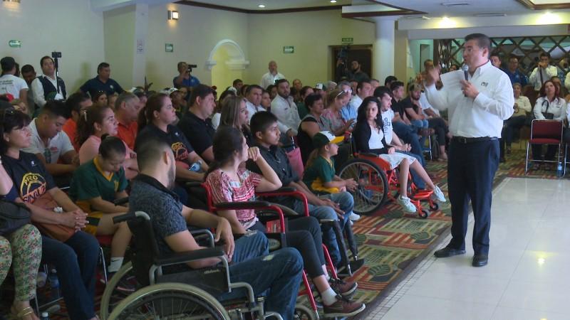 Alvaro Ruelas anuncia creación de parque para personas con discapacidad