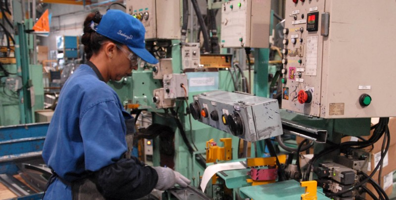 Falso que el PRI, PAN y PRD aprobaran una reforma laboral que elimina la antigüedad en el trabajo