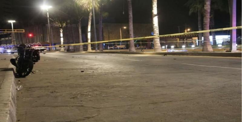 Motociclista pierde la vida al impactarse con palmera en el Malecón