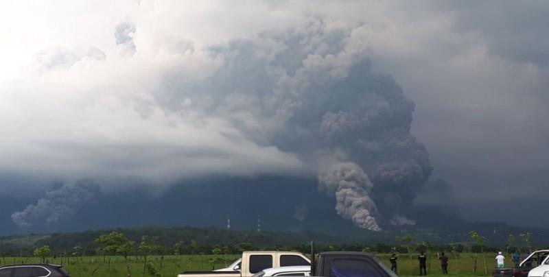 Impactantes imágenes del volcán que hizo erupción en Guatemala
