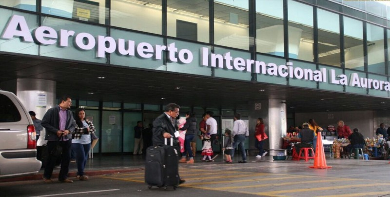 Aeropuerto La Aurora de Guatemala reabre operaciones tras erupción volcánica