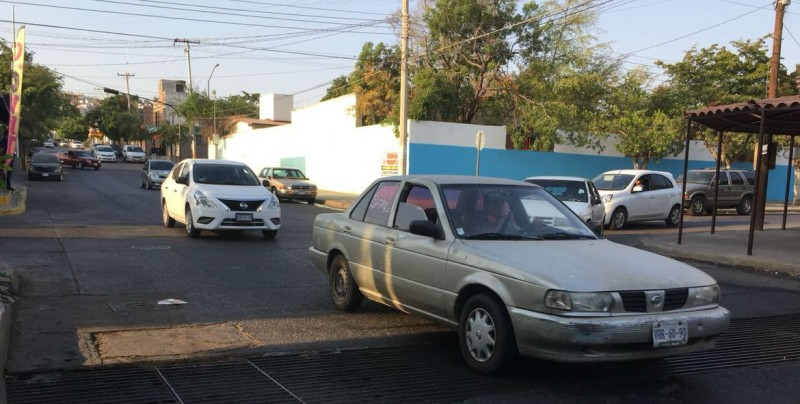 Continúa la petición de reductores por calle Lázaro Cárdenas