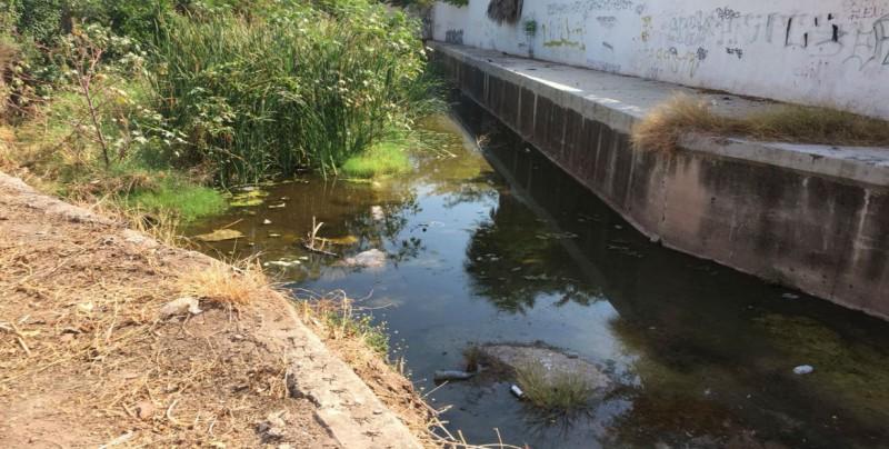 Continúa Ayuntamiento de Culiacán con limpieza de arroyos