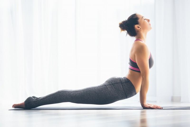 Tonifíca tus pechos con yoga