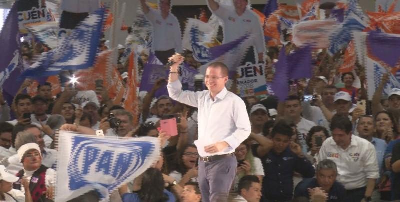 No se baja de la campaña, afirma Ricardo Anaya Cortés