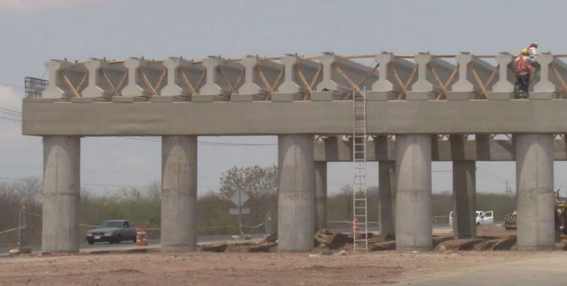 Avanza construcción de puente sobre La Costerita