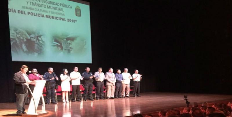 Reconocen a 62 Policías Municipales y Tránsitos