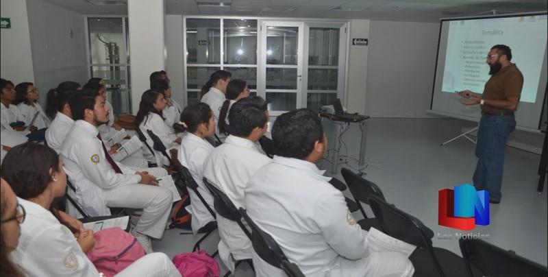 Capacita IMSS a Doctores