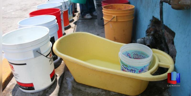 Tandean agua en colonias y comunidades de Navojoa