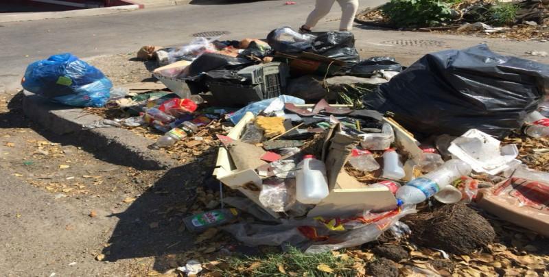 Siguen dejando basura en esquina con Colegio Militar