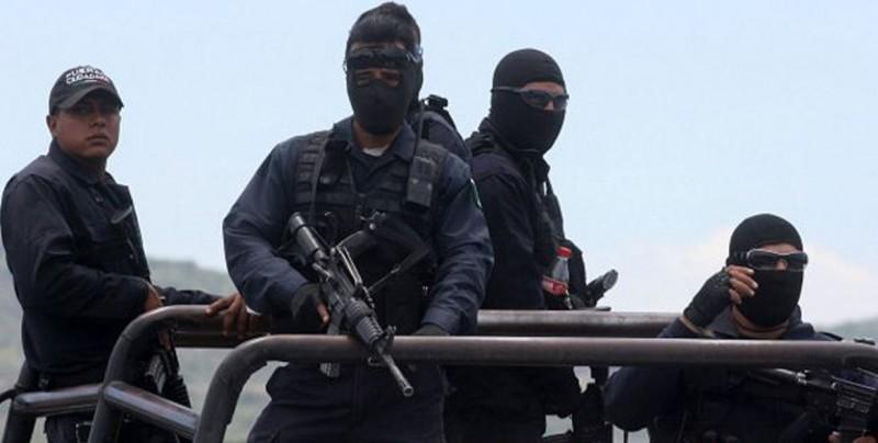 Tres presuntos criminales mueren en tiroteo con policías