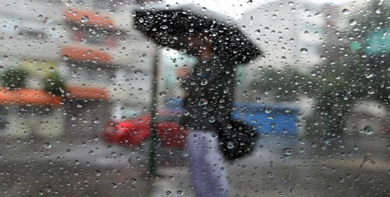 """Huracán """"Bud"""" y onda tropical 2 favorecen lluvias en el país"""