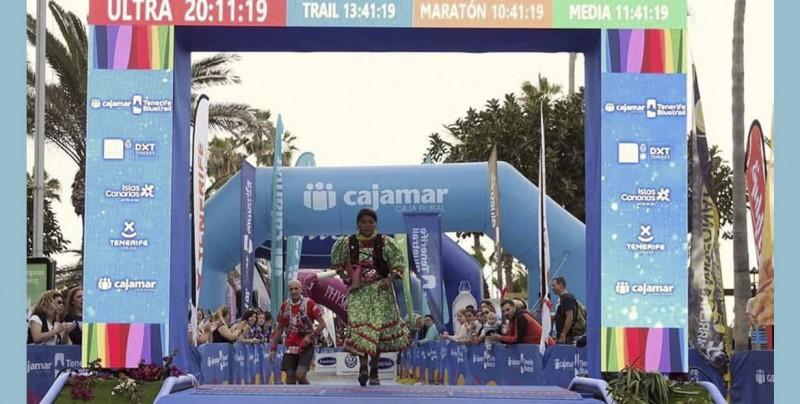 La corredora rarámuri gana el tercer lugar en ultramaratón europeo