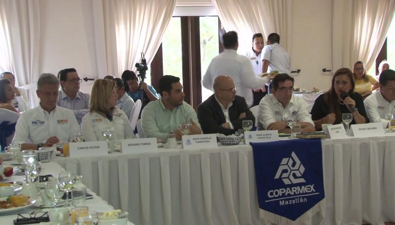 Presentan candidatos su propuestas a COPARMEX