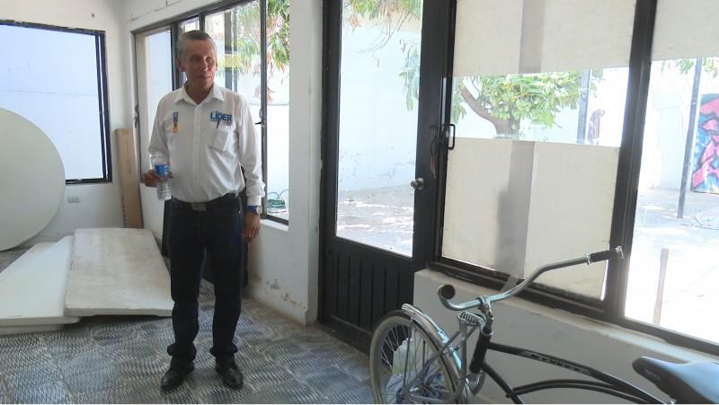 Candidato denuncia robo en su casa de campaña