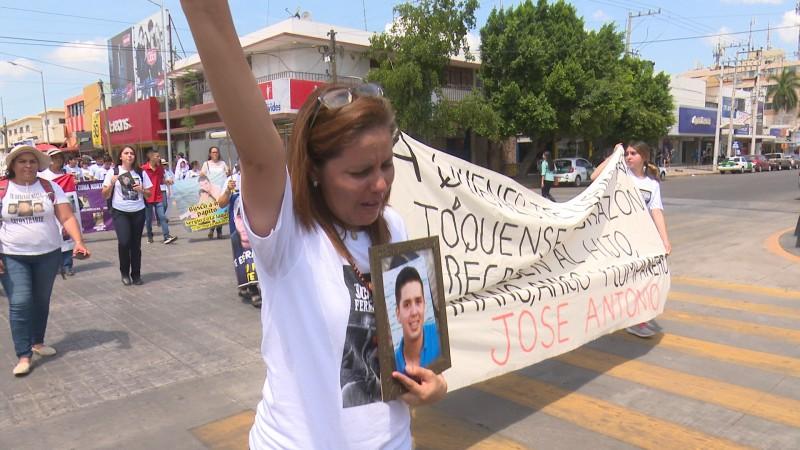 Marchan para que paren las desapariciones forzadas en Sinaloa