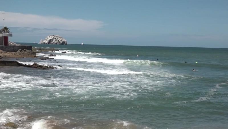 Cerradas las playas por oleaje elevado