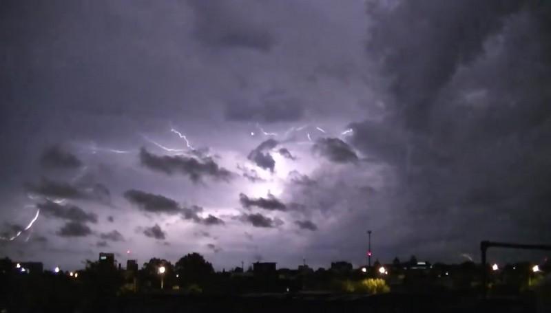 Pide PC resguardarse durante tormentas eléctricas