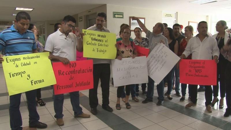 Amenazan con huelga trabajadores del Hospital Civil