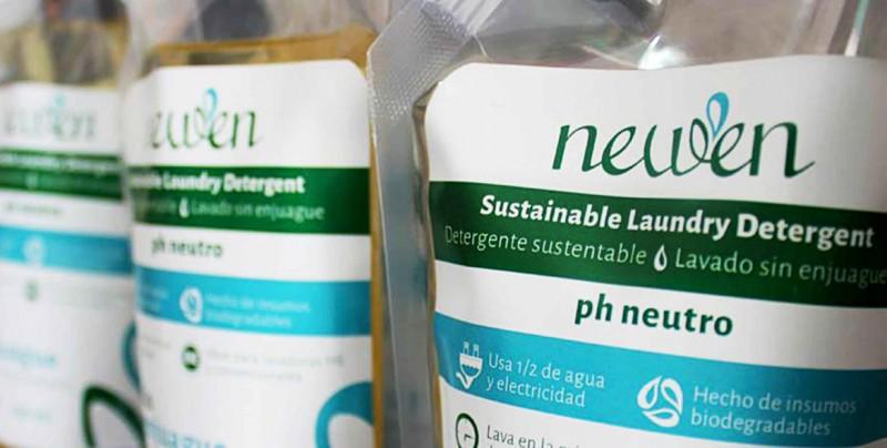 Mexicanos crean detergente que no se enjuaga para ahorrar agua y energía
