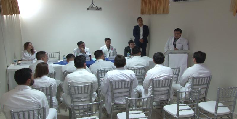 Recibe Central Médica Quirúrgica a pasantes de la Universidad Autónoma de Durango
