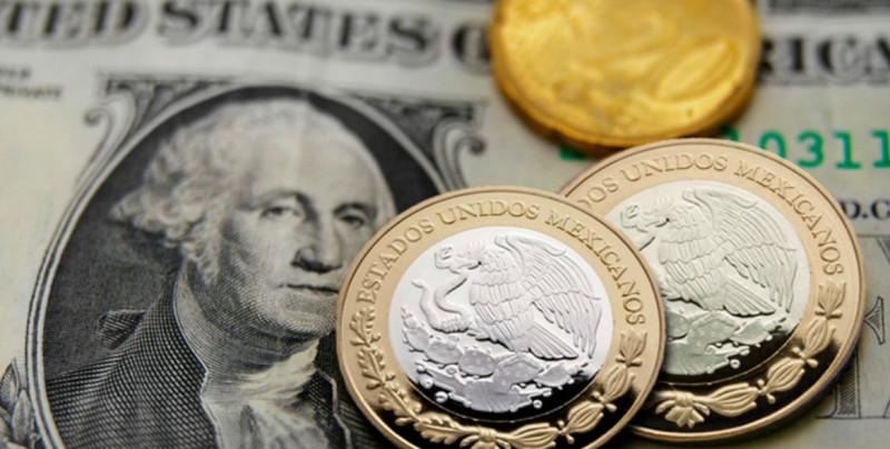 Se aprecia el peso mexicano ante el dólar, a 19.61