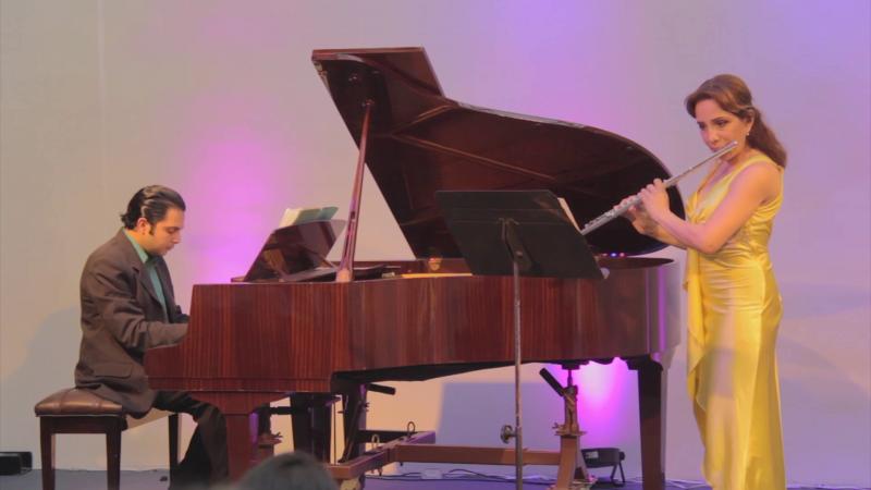 Deleitan con concierto de flauta y piano