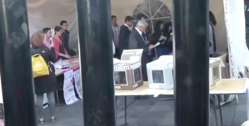 López Obrador, el primer presidenciable en votar