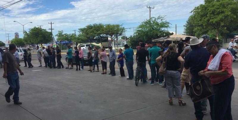 Casilla Especial en Guamúchil registra una larga fila