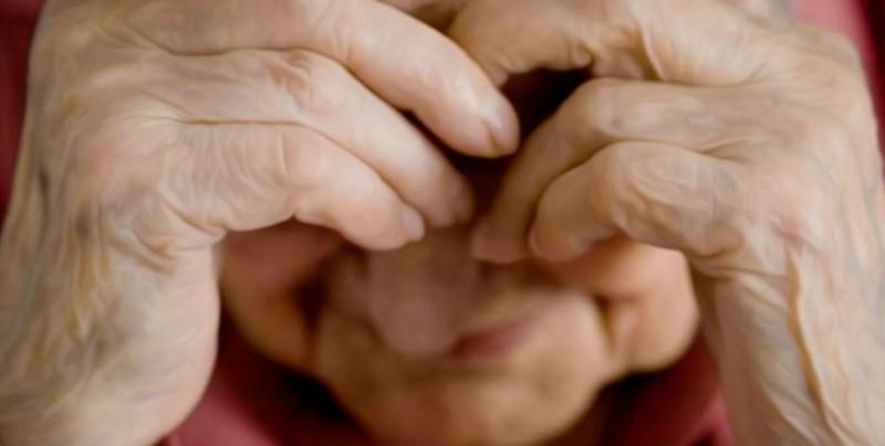 Adultos mayores también sufren de violencia por sus hijos