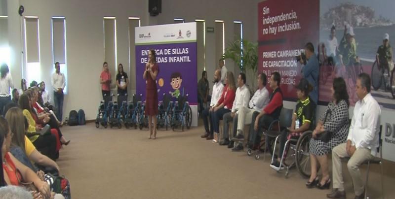 Campamento de uso y manejo de sillas de ruedas activas