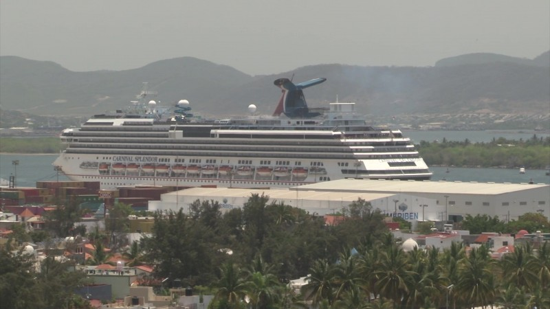 Arriba a Mazatlán crucero Carnival Splendor