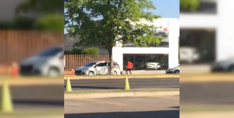 """""""Levantan"""" a una persona frente a la Fiscalía de Sinaloa"""