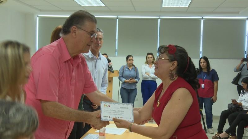 Entregan apoyos para proyectos culturales en Ahome