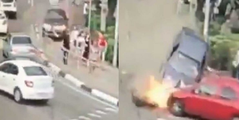 #Video Peatones son arrollados por un auto en sede del Mundial