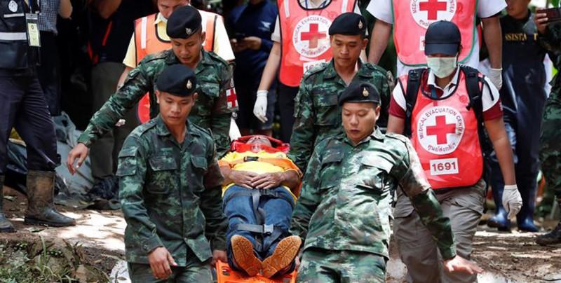 Al menos 49 desaparecidos y 89 rescatados en los dos naufragios de Tailandia