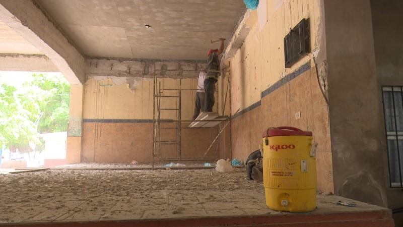 Autorizan 600 mil pesos para reparación de techos de la escuela 4