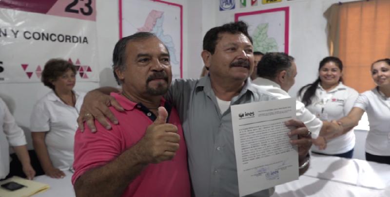 Recibe constancia de mayoría José Antonio Crespo López por el Distrito XXIII