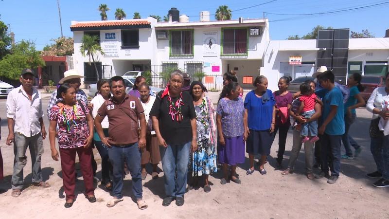 Indígenas toman oficinas de la coordinación de gobernadores tradicionales