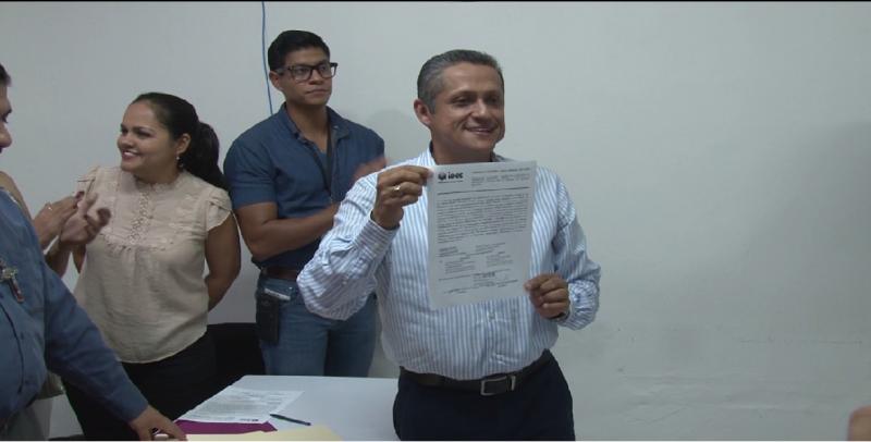El Dr. Pineda es alcalde electo de El Rosario